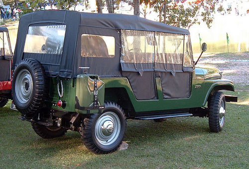 Jeep-1955-CJ6-rear
